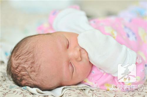 婴儿睡觉绑着胳膊好吗?-第3张