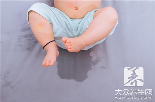 小孩的尿像米汤乳白色的