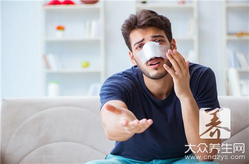 电子鼻咽镜检查过程