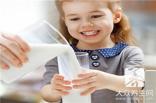 纯牛奶的成分