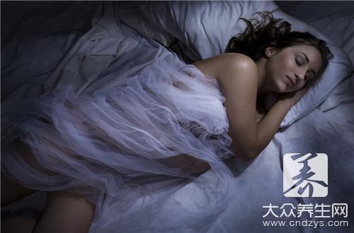 晚上睡觉一会热一会冷是怎么回事-