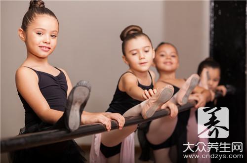 小孩学跳舞有什么好处?