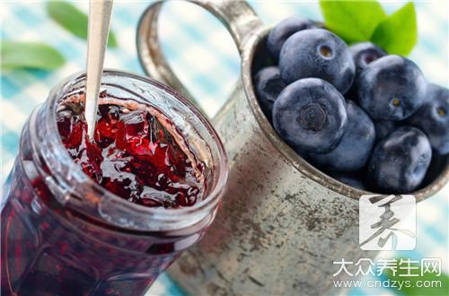 宝宝蓝莓果酱的做法