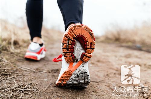 光跑步能减肚子吗?