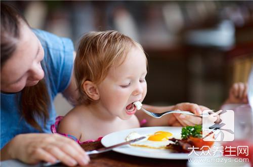 早餐要吃好还是吃饱