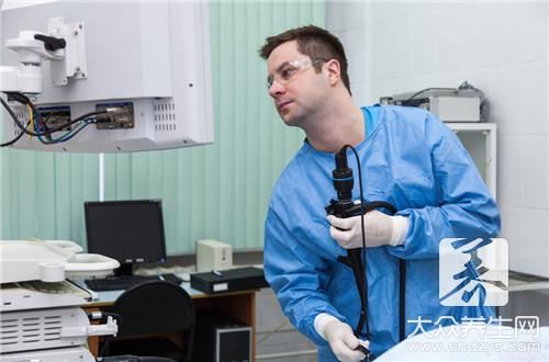 尿道镜检查过程