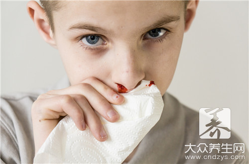 鼻子出血有粘稠的血块