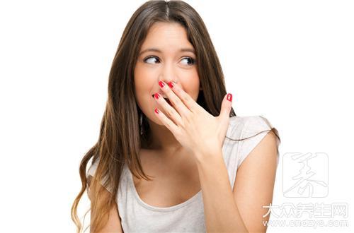 口臭和什么有关