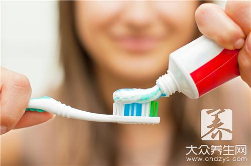 牙膏和小苏打去黑头方法是什么?
