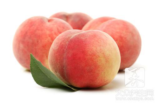 桃子吃了胃不舒服
