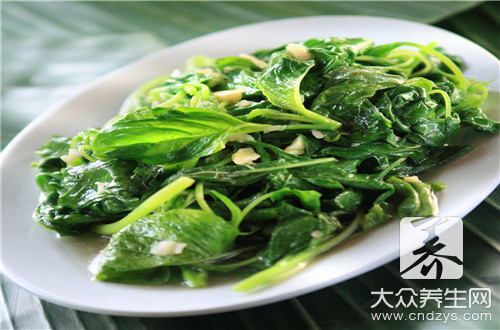 菠菜和虾米能一起吃吗