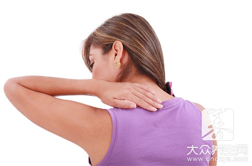 胸背肌筋膜炎的症状