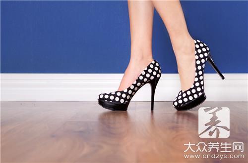 穿高跟鞋腿会变细吗