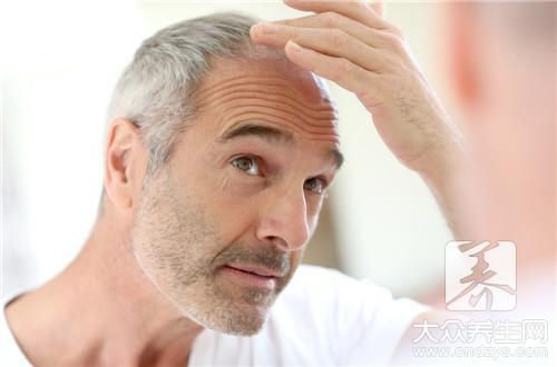 白头发吃什么能变黑,何首乌粥效果好