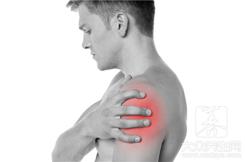 后背左肩下方疼痛