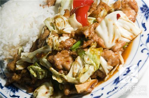 包菜回锅肉的做法是什么?
